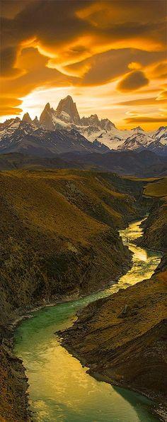Fitz Roy Light | El Chalten, Fitz Roy, Patagonia, Argentina | HoHo Pics