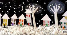 La neve rappresenta sempre un momento magico... Tutto diventa bianco, tutto si trasforma... Quest'anno è nevicato poco ma noi non... Simple Christmas, Winter Christmas, Christmas Bulbs, Art Love Couple, Santa Crafts, Animal Doodles, Arts And Crafts, Paper Crafts, Kindergarten Crafts