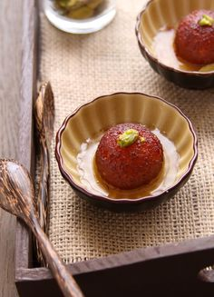 'Gulab Jamun' Recipe - One of the best Indian dessert in the world.