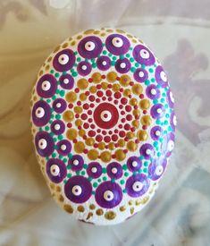 Mandala - top view. Mandala Rocks, Top View, Rock Painting, Rock Art, Painted Rocks, Dots, Stitches, Stone Painting, Cave Painting