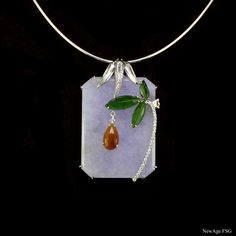 a9deb8aa1fd8 This lovely piece of jadeite pendant consist of 3 colours