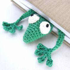 * Nu finns Svensk översättning! * So funny! Amigurumi Gecko Bookmark Featured Image
