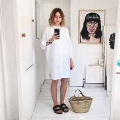 The perfect shirt dress 👔 Fashion Line, Daily Fashion, Fashion Looks, Fashion Black, Fashion Top, Fashion Edgy, Fashion Fall, Fashion Women, Lil Black Dress