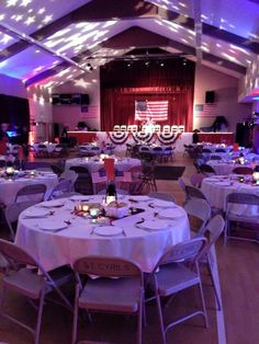 USO style party and show. USO style party and show. 75th Birthday Parties, Birthday Party Decorations, Party Themes, 40th Birthday, Party Ideas, American Themed Party, Military Retirement Parties, 1940s Party, End Of Year Party