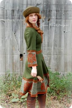 This looks to me like Mori meets Scandinavia.Knit dress in hunter green and oak brown - oak leaf trim - Oakmoss Mori Girl Wool Dress, Knit Dress, Dress Up, Medieval Costume, Medieval Dress, Medieval Fashion, Medieval Clothing, Mori Girl, Mori Mode