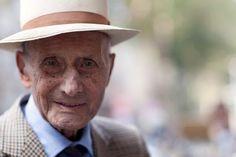 """""""Cel mai important organ sexual este creierul"""". 45 de lecții de viață de la un bătrân de 90 de ani"""