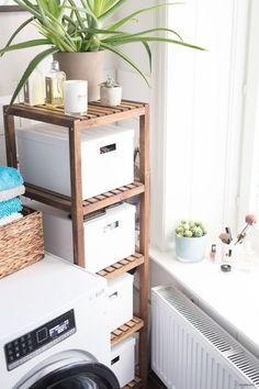 Schnelle Badezimmer-Umgestaltung – Urban Jungle und Wohnlichkeit im Altbau-Bad! Die ganze Story auf elbmadame.de #elbmadame #bauknecht #IKEA 'Molger
