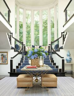 Hydrangea Hill Cottage: Kelli Ford's Beverly Hills Vacation Home.  Beautiful entry.