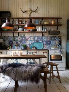 Comfy Moroccan Dining Room Design You Should Try 57 on Home Architecture Tagged on Comfy Moroccan Dining Room Design You Should Try Cosy Kitchen, Kitchen Tiles, Kitchen Flooring, New Kitchen, Kitchen Decor, Kitchen Design, Scandinavian Kitchen, Morrocan Tiles Kitchen, Eclectic Kitchen