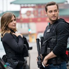 Erin Lindsay & Jay Halstead II Chicago PD II : Click image to close this window Chicago Fire, Nbc Chicago Pd, Chicago Shows, Chicago Med, Erin Lindsay, Sophia Bush Chicago Pd, Chicago Justice, Jay Halstead, Jesse Lee