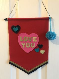 Felt Banner, Banners, Christmas Ornaments, Holiday Decor, Projects, Log Projects, Blue Prints, Banner, Christmas Jewelry
