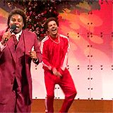 LET'S LAUGH! a collection of the funniest Christmas Gifs on Hello Lovely