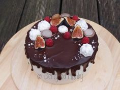 Stékaný dort - pusinky, fíky a toffifee