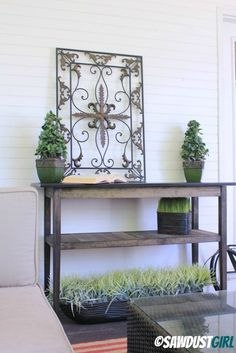 4. DIY Console Table (I'm more interested in the beautiful pattern of the ironwork)