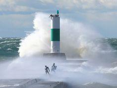 Lake Michigan Strong Wave Photo  | Massive waves expected to hit Lake Michigan tonight, Sunday morning ...
