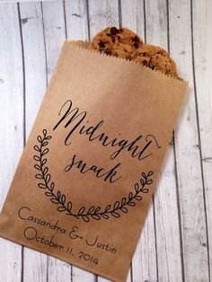 Wedding Favor Bags, Cookies- Candy Buffets. Love the modern but primitive laurel design