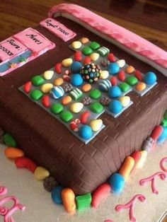 Funny pictures about Candy Crush Cake. Oh, and cool pics about Candy Crush Cake. Also, Candy Crush Cake. Candy Crush Saga, Festa Do Candy Crush, Candy Crush Cakes, Fancy Cakes, Cute Cakes, Yummy Cakes, Beautiful Cakes, Amazing Cakes, Beautiful Flowers
