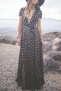 Boho Look   Bohemian hippie chic bohème vibe gypsy fashion indie folk the 70s festival style Coachella fashion
