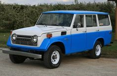 Google Image Result for http://bringatrailer.com/wp-content/uploads/2010/06/1976_Toyota_Land_Cruiser_FJ55_Wagon_For_Sale_Front_1.JPG