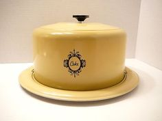 Vintage West Bend Yellow Cake Taker