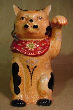 Antique Kutani Maneki Neko Lucky Beckoning Cat Moriage