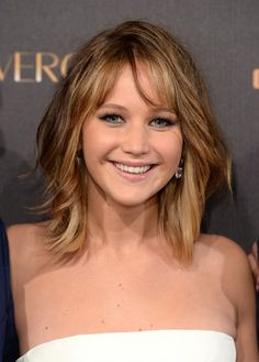 10 Best celebrity layered bob hairstyles to try - hairstyle.com