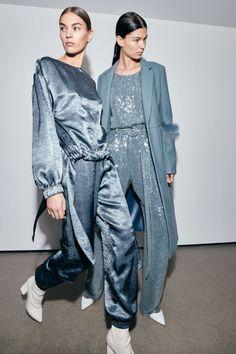 Sally LaPointe Pre-Fall 2019 Fashion Show Sally LaPointe Pre-Fall 2019 Collection – Vogue Trend Fashion, Fashion Week, Runway Fashion, High Fashion, Fashion Outfits, Fashion Tips, Vogue Fashion, Ladies Fashion, Womens Fashion