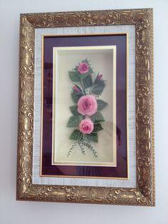 İğne oyası gül Needle Lace, Ribbon Embroidery, Diy And Crafts, Frame, Home Decor, Cross Stitch, Dots, Needlepoint, Homemade Home Decor