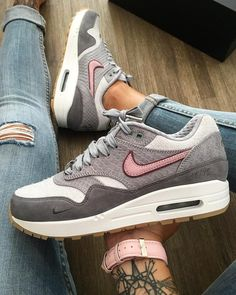 "14.8k Likes, 132 Comments - Airmaxalways (@airmaxalways) on Instagram: ""Nike Airmax 1 x Paris Bespoke ID • The quality on these is looking awesome in hand! Shoutout to…"""