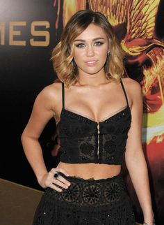 Miley Cyrus leads the parade at The Hunger Games premiere in Los Angeles on March 2012 Liam Hemsworth, Jennifer Lawrence, Hunger Games, Miley Cyrus 2012, Celebs, Celebrities, Her Hair, My Idol, Beautiful People