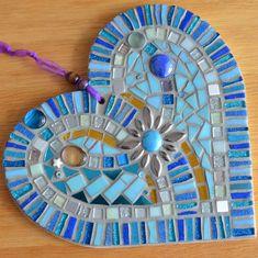 Mosaic Tile Designs, Mosaic Tile Art, Mirror Mosaic, Mosaic Crafts, Mosaic Projects, Mosaic Patterns, Mosaic Glass, Stained Glass Birds, Stained Glass Panels
