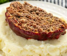 Momma's Meatloaf – AIRPERA Meatloaf Recipes, Beef Recipes, Cooking Recipes, Beef Meals, Fried Chicken Batter, Cheap Health Insurance, Drops Recipe, Meatloaf Ingredients, Susan Recipe