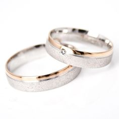 Trauringe - You are in the right place about beautiful wedding rings bling Here we offer you Beautiful Wedding Rings, Wedding Rings Vintage, Gold Wedding Rings, Vintage Rings, Wedding Jewelry, Wedding Bands, Vintage Jewelry, Ring Set, Ring Verlobung