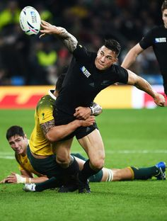 Final of 2015 RWC reverse flick pass by SBW to set up try against Wallabies Rugby Union Teams, Sonny Bill Williams, Who Plays It, All Blacks Rugby, Rugby World Cup, Sexy Men, Athlete, Ferns, Sony