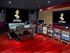 Faith Hill and Madonna have recorded tracks at which Los Angeles hotel's private recording studio?