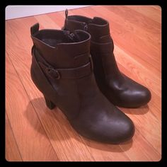 Madden Girl boots Sirren Madden Girl boots Sirren. Never worn! Super cute brown boots. They would look great with a pair of skinny jeans or a skirt. I love these boots but I'm trying to part with a few pairs of shoes. Madden Girl Shoes Ankle Boots & Booties