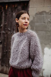 Ravelry: Kelowna Sweater pattern by Tara-Lynn Morrison Knit Sweater Outfit, Mohair Sweater, Pullover Sweaters, Sweater Knitting Patterns, Knitting Designs, Hand Knitting, Knitting Machine, Looks Street Style, Knit Fashion