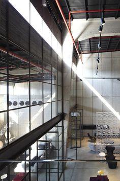 Galeria de A Casca e seu Conteúdo – Showroom Italia B&B / Pitsou Kedem Architects - 5
