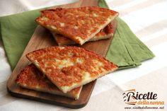 Il Frico friulano è una ricetta originaria appunto del Friuli preparata semplicemente con patate e formaggio Montasio. Una frittata di patate dal gusto irresistibile.