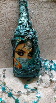 Decorative Bottles : Resultado de imagen para дюрич декупаж -Read More – Wine Bottle Design, Wine Bottle Art, Diy Bottle, Glass Bottle Crafts, Glass Bottles, Courge Halloween, Halloween Potion Bottles, Altered Bottles, Bottle Lights