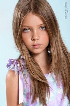 Polina Gerasimova Very Pretty Girl, Beautiful Little Girls, Cute Little Girls, Beautiful Children, Preteen Girls Fashion, Fashion Kids, Gorgeous Eyes, Beautiful Models, Blonde Kids