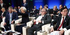 Los 'gurús' de la economía mundial concluyeron el domingo la reunión anual del Fondo Monetario Internacional y el Banco Mundial, en Lima (Perú). Colombia participó en el encuentro.