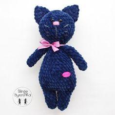 Plush cat crochet pattern