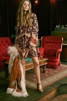 If you do in fact also extended being a hippies divine feminine, ensure you know most of the rules and magnificence tips on how to put on the boho-chic styles fad! Boho Chic, Bohemian Mode, Hippy Chic, Bohemian Lifestyle, Bohemian Style, Dark Bohemian, Hippy Style, Boho Style Dresses, Boho Outfits