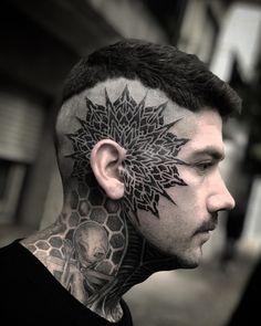 Mandala Tattoo Design, Tattoo Designs, Kopf Tattoo, Scalp Tattoo, Blackout Tattoo, Pieces Tattoo, Geometric Mandala, Face Tattoos, Under My Skin