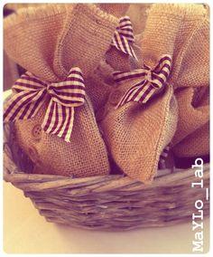 Rustic wedding favors, sacchetti portaconfetti rustici