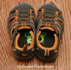DIY: Cut a sticker in half and place in kid's shoes to help them put their shoes on correct feet.