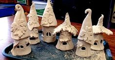 Cindi Hardwicke: Fairy House Night Lights & Faerie Garden (programado a través de www. - Cindi Hardwicke: Fairy House Night Lights & Faerie Garden (programado a través de www. Pottery Houses, Slab Pottery, Ceramic Pottery, Clay Fairy House, Fairy Houses, Garden Houses, Ceramics Projects, Clay Projects, Garden Projects