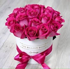 20 ideas flowers bouquet box pink for 2019 Love Rose, Fresh Flowers, Pretty Flowers, Pink Flowers, Deco Floral, Arte Floral, Billion Roses, Rosen Box, Bouquet Box