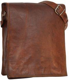 """Klassisch, komfortabel, schön! Das ist unsere Umhängetasche """"Finn"""" aus Ziegenleder. Mit ihrer Schlichtheit im angesagten Vintage-Style weiß sie von sich zu überzeugen und auch der hohe Tragekomfort dieser Tasche spricht für sie - Lederumhängetasche - Gusti Leder - M3"""